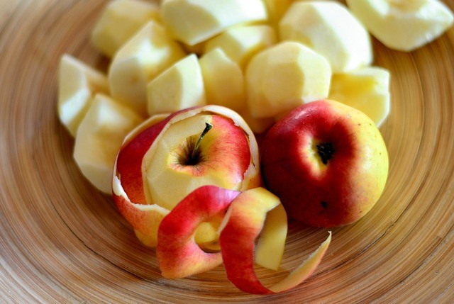 sliced and cored apple
